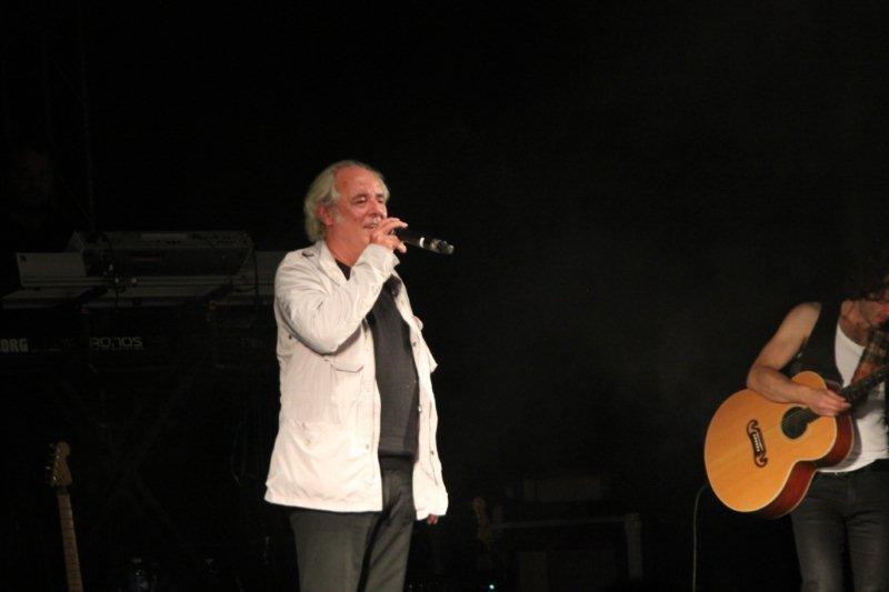 Maxime Le Forestier sur la scène du Foot-Concert de Lyon, le 13/10/2012 © Anik COUBLE