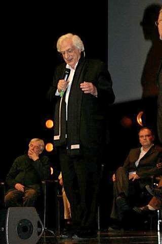 Bertand Tavernier, lors de la remise du Prix Lumière,  à Milos Forman - Festival Lumière 2010 - Lyon - Photo © Anik COUBLE