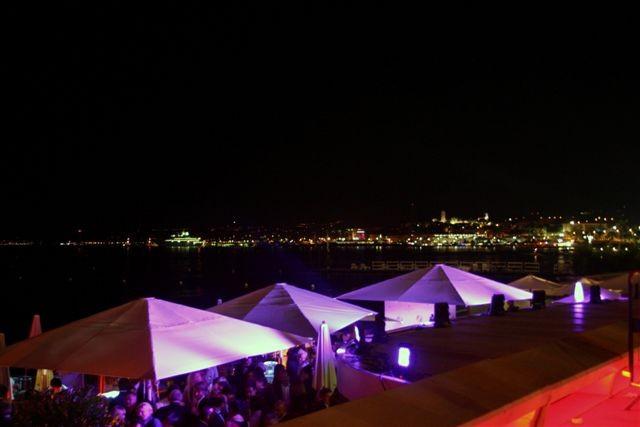 Soirée sur la plage du Martinez - Festival de Cannes 2010 © Anik COUBLE