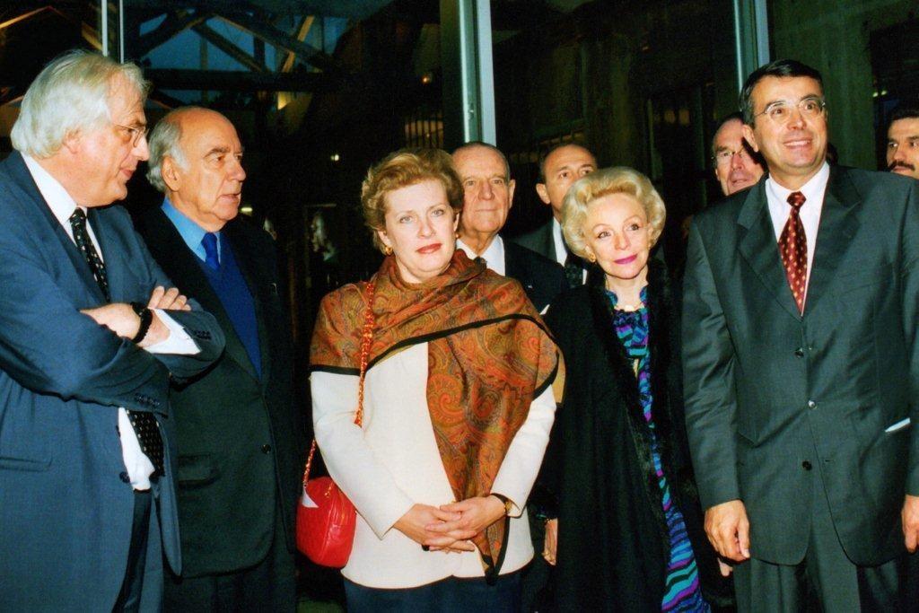 Bertrand TAVERNIER, Jacques DERAY, Catherine TRAUTMAN, Raymond BARRE et son épouse, et Jean-Jack QUEYRANNE - Institut Lumière 1998 © Anik COUBLE