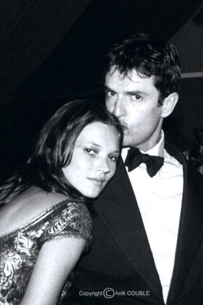 Kate Moss et Ruppert Everett 1999  / Photo : Anik Couble