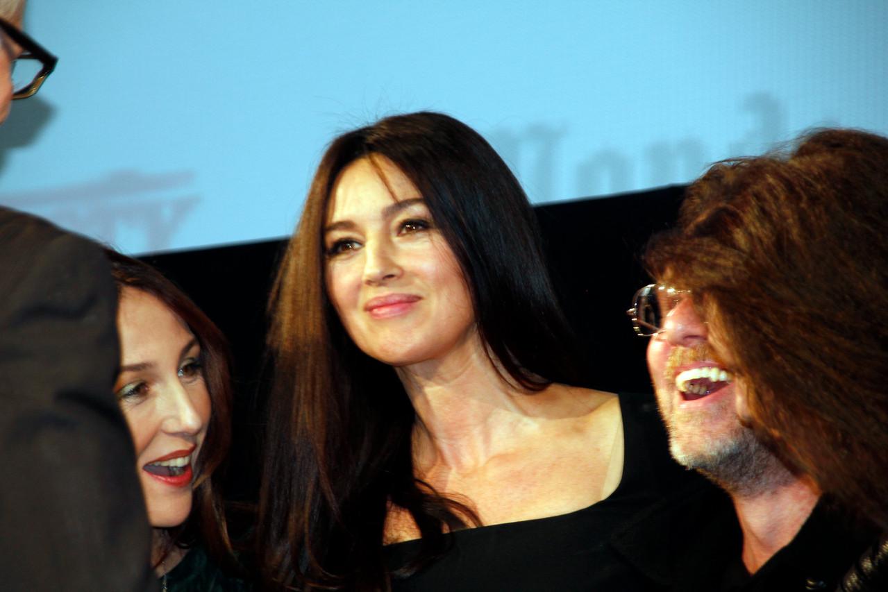 Monica Bellucci, entourée d'Elsa Zylberstein et Tim Roth - Festival Lumière 2012 - Lyon - Photo © Anik COUBLE