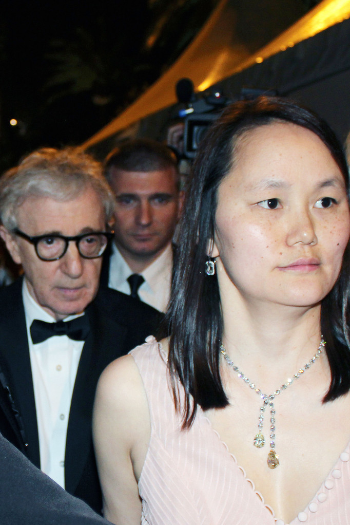 Woody ALLEN et sa compagne - Festival de Cannes 2011 - Photo © Anik COUBLE