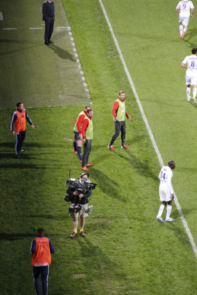 David Beckham sur la touche, lors du Match OL - PSG - Lyon - Gerland - Mai 2013  © Anik COUBLE