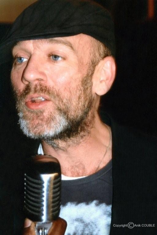 Michael Stipe chanteur du Groupe R E M  2005  / Photo : Anik Couble