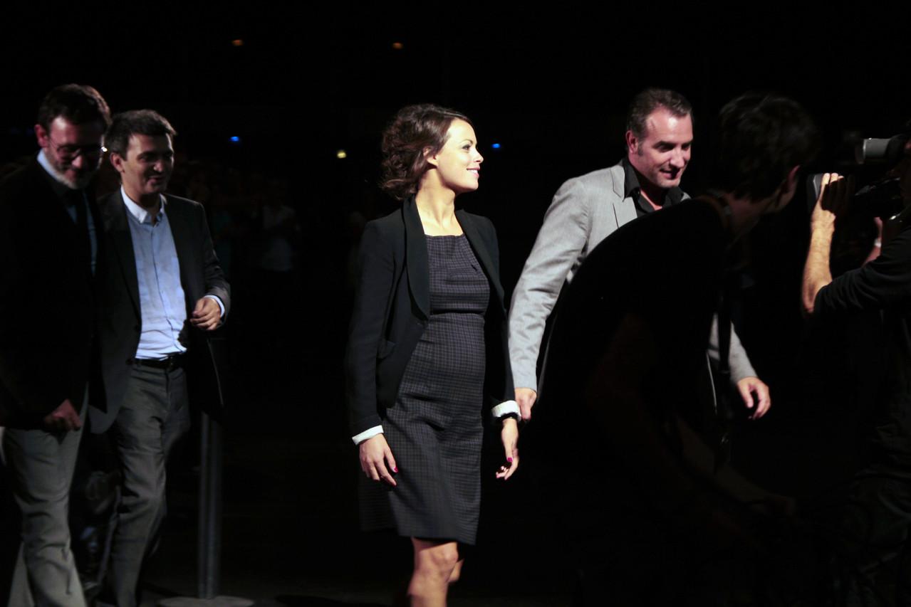 Jean Dujardin et Bérénice Bejo, suivis de Thomas Langman et Michel Hazanavicius - Festival Lumière 2011 - Lyon - Photo © Anik COUBLE