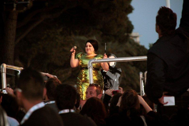 Beth DITTO, chanteuse du groupe GOSSIP - Festival de Cannes 2012 - Photo © Anik COUBLE