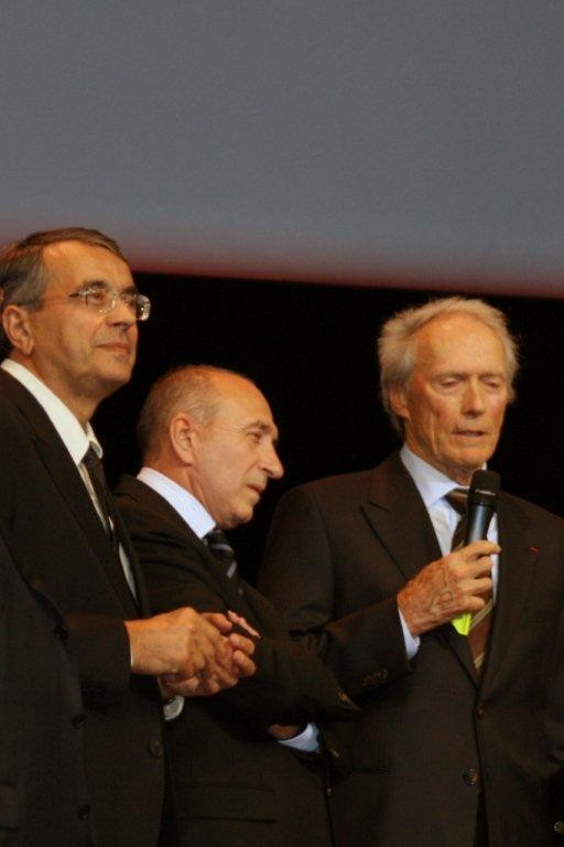 Jean-Jack QUEYRANNE, Gérard COLLOMB et Clint EASTWOOD -  2009 - Photo © Anik COUBLE
