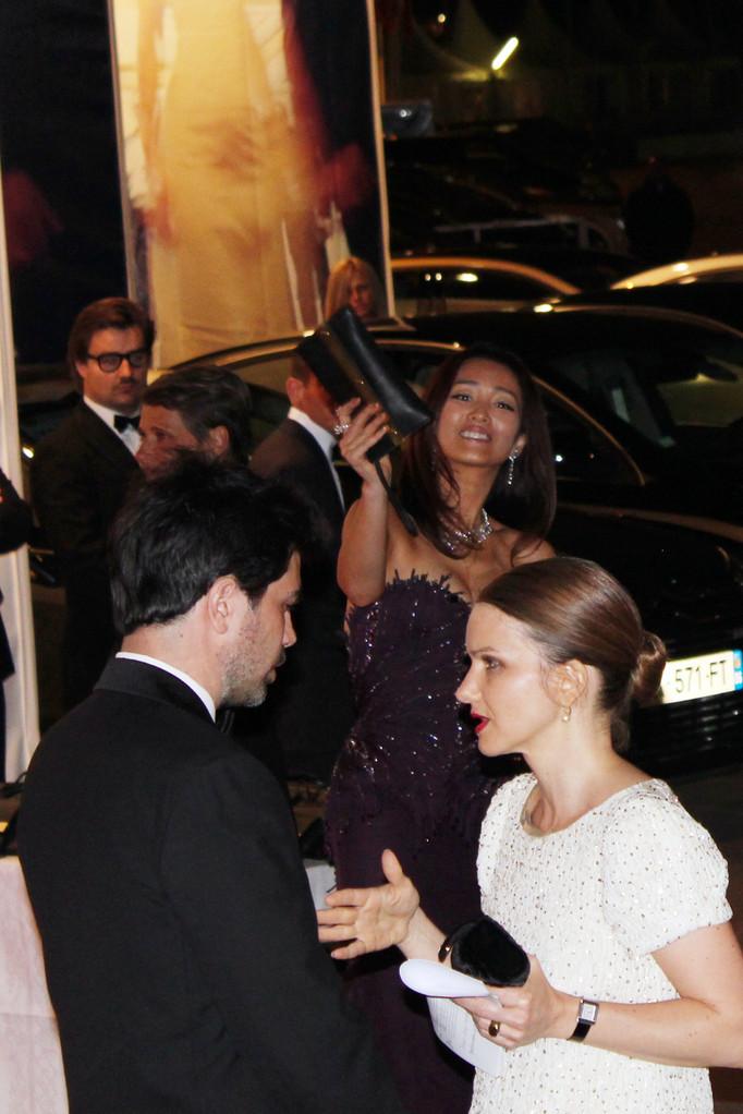Gong LI , saluant son pubic - Festival de Cannes 2011 - Photo © Anik COUBLE