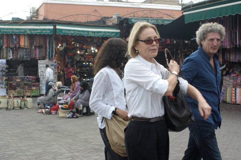 Elie Chouraqui et son épouse, accompagnés de Marthe Keller en route vers les souks Place Jemaa El Fna et son écran géant - Festival de Marrakech 2010 © Anik COUBLE