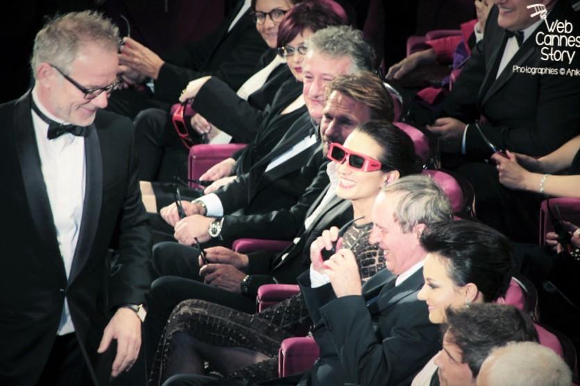 """Thomas Kretschmann, Asia Argento, Dario Argento, Marta Gastini et Thierry Frémaux,  lors de la projection du film """"Dario Argento Dracula"""" de Dario Argento  - Festival de Cannes 2012 - Photo  © Anik Couble"""