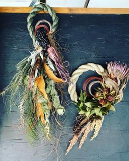 12月1dayレッスン『お正月飾り<植物×カーキ>』作り&『お正月飾り<プロテア×わら>』作り