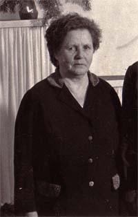 Мария Константиновна Ульянова (Кузнецова) работала с Ольгой Егоровной в Контокской начальной школе в 1938-39 учебном году. Мария Константиновна вела 1иЗ классы. В 1985 году М.К. была у нас в гостях.