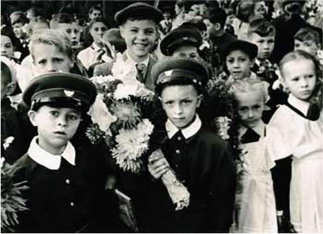 Школьники 70-х годов.
