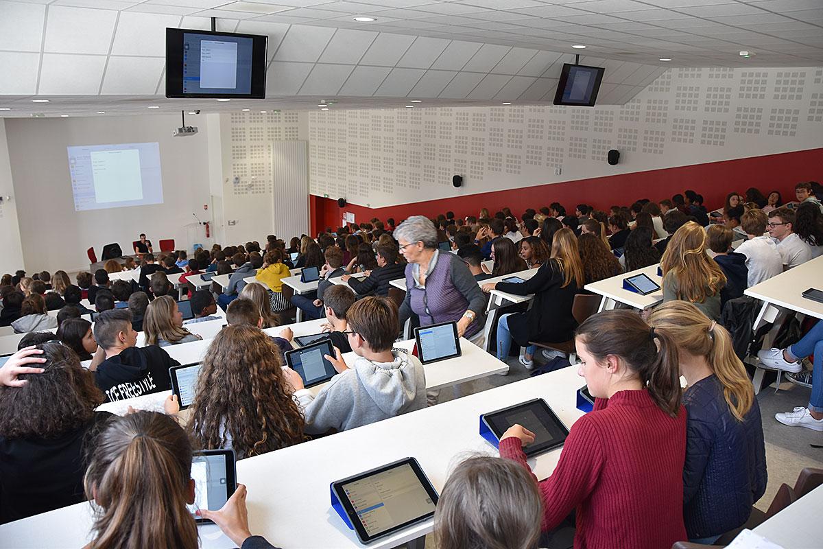 Sainte-Marie Bourges | Formation numérique des collégiens (septembre 2017, amphi IES)