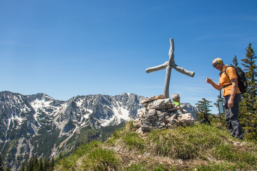 Schlichtes Kreuz am Rotgsol