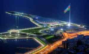 Il National Flag Square, uno dei punti panoramici di Baku e il Crystal Hall, arena coperta situata sulla costa cittadina,costruita per ospitare la 57ª edizione dell'Eurovision Song Contest nel 2012