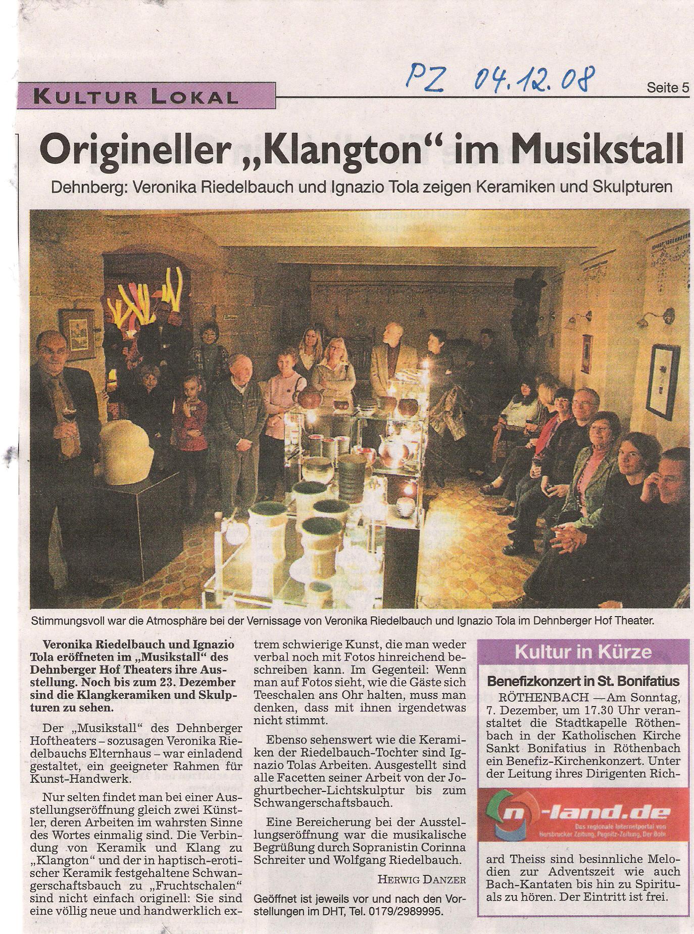 Ausstellung im Dehnberger Hof Theater
