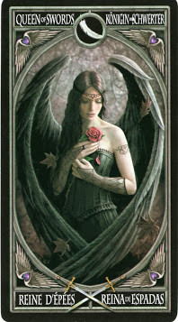 Gothic Tarot - Reine d'Épées