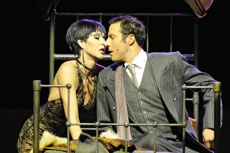 Sally's Flirt mit Marco Vassalli als Cliff