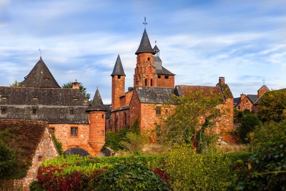 Collonges-la-Rouge, un des Plus Beaux Villages de France au cœur de la vallée de la Dordogne