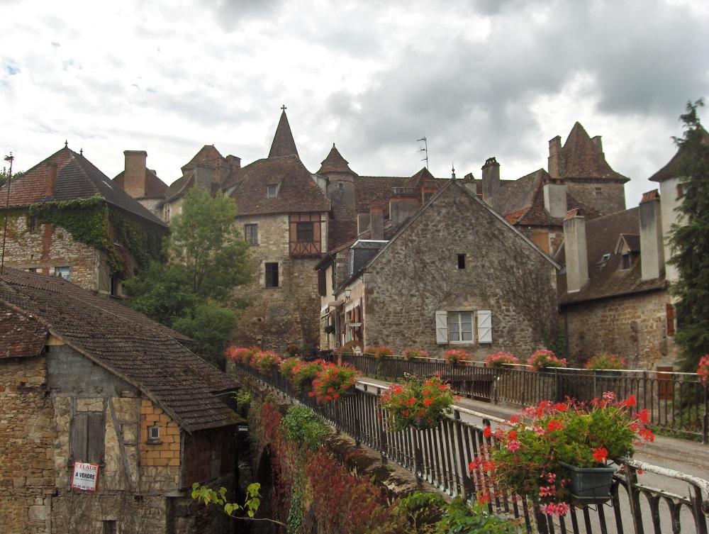 Carennac (Lot) situé en vallée de la Dordogne