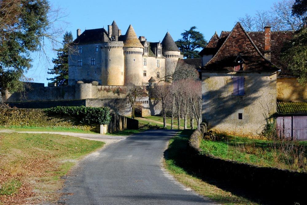 Château de Fénelon, forteresse féodale en Dordogne (24)