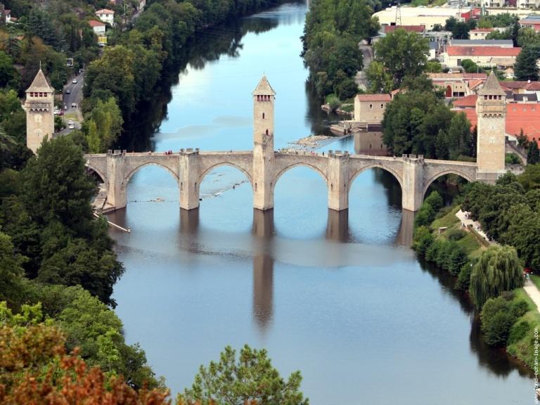 Le pont Valentré à Cahors dans le Lot