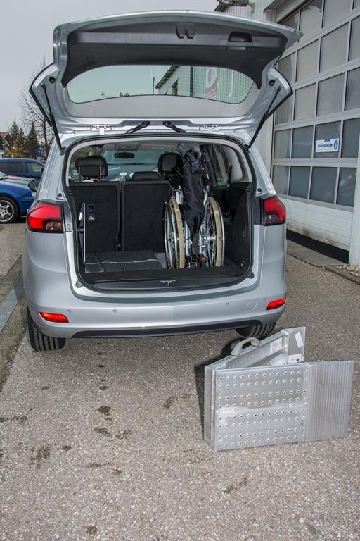 Rollstuhlverladesystem Opel Meriva.