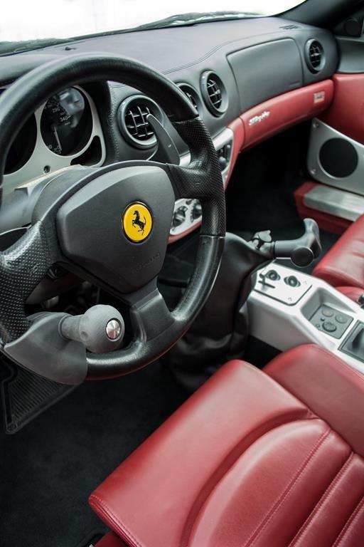 Lenkradknauf im Ferrari.