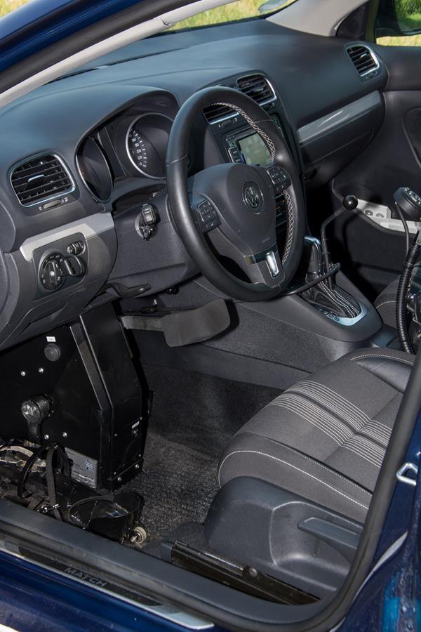 Volkswagen Passat mit Fußlenkung System Franz.