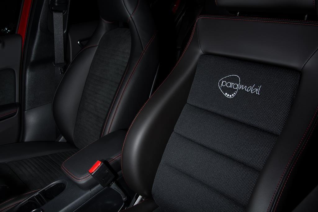 paramobil Sportsitz in der neuen Mercedes A-Klasse.