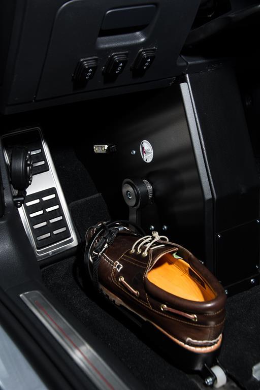 Volkswagen Golf GTI mit Fußlenkung System Franz