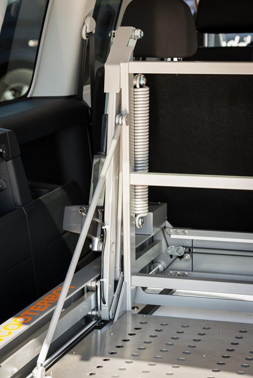 Scooter Verladelift. 150 Kg Tragfähigkeit. Steuerung via Kabelgebundener Fernbedienung.