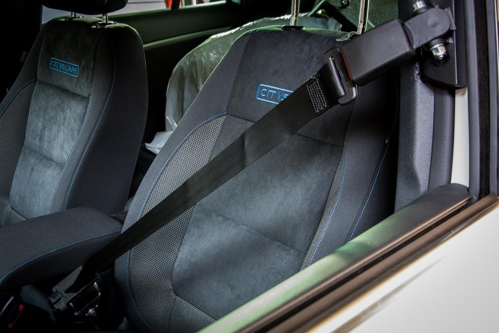 Automatisches Gurtsystem im Volkswagen Tiguan.