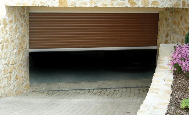 Garagedeur met lamellen