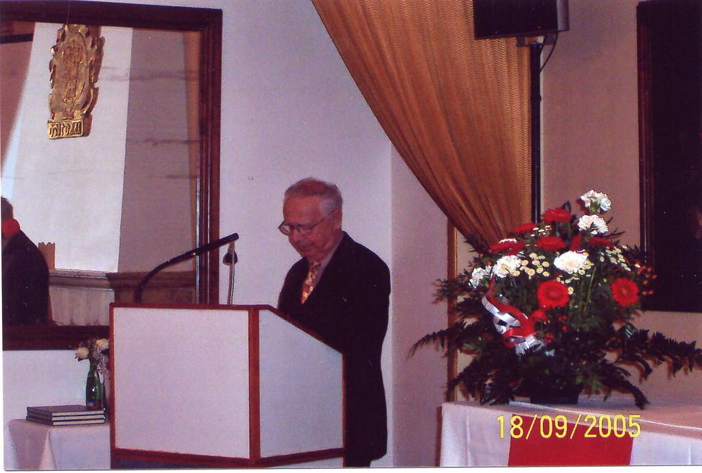 Herr Dipl.-Ing. Pavel Fried, der Vorsitzende der Israelitischen Gemeinde heißt die Brünner willkommen in Brünn