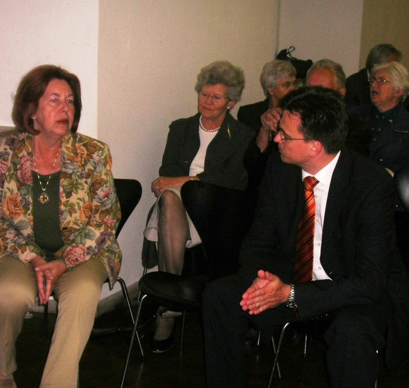 Frau Sabine Thomsen, Landeshistorikerin, im Gespräch mit Dr. Joachim Bläse, Kulturbürgermeister Gmünd