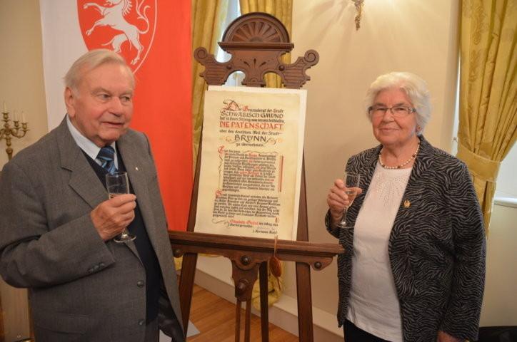 Herr Erich Wenzel, langjähriger Vorsitzender des Kreisverbandes Schorndorf der BRUNA /Frau Wenzel betreut den Kreisverband Schwäbisch Gmünd