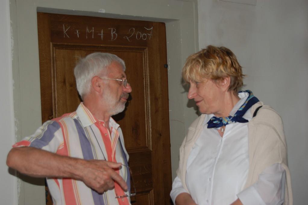 Herr Dr. Vojen Drlík, der Direktor des Mährischen Literaturarchivs erwartet uns und führt uns freundlicherweise durch das Gebäude