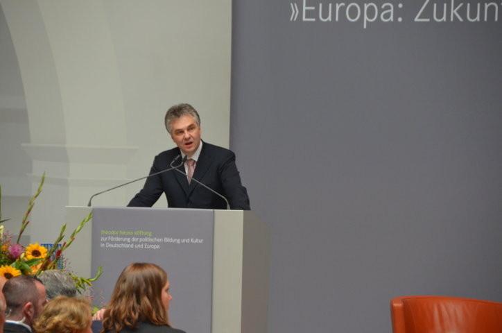 Prof. Dr. Ludwig Theodor Heuss bei der BEgrüßung
