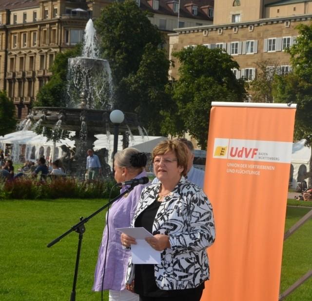 Frau Iris Ripsam, Stadträtin Stuttgart, Organisatorin der Gedenkfeier