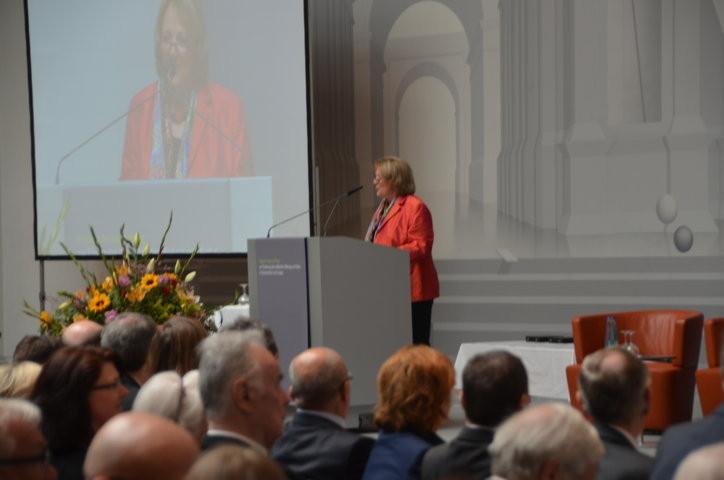 Frau Leutheusser-Schnarrenberger, bis 2013 Bundeministerin für Justiz