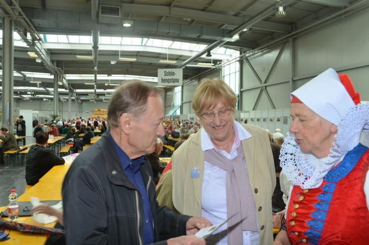 BRUNA Mitglieder als Gäste am Stand des Brünner Begegnungszentrums