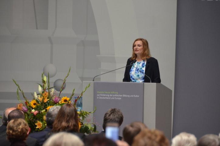 Frau Isabel Fezer Bürgermeisterin für Soziales, Jugend und Gesundheit Stuttgart