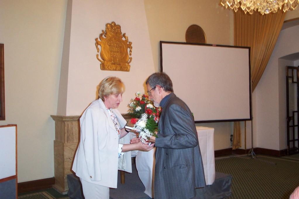 Wir danken Herrn Professor Dr. Štědroň für seinen Beitrag sehr herzlich !