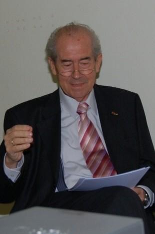 Karl Walter Ziegler, Bundesvorsitzender der BRUNA informiert über den mittelalterlichen Baumeister Anton Pilgram aus Brünn