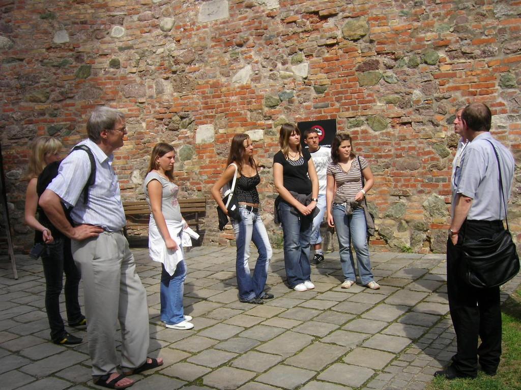 Das Jugendprogramm ist auf die Jugendlichen zugeschnitten und soll möglichst viele Sehenswürdigkeiten zeigen