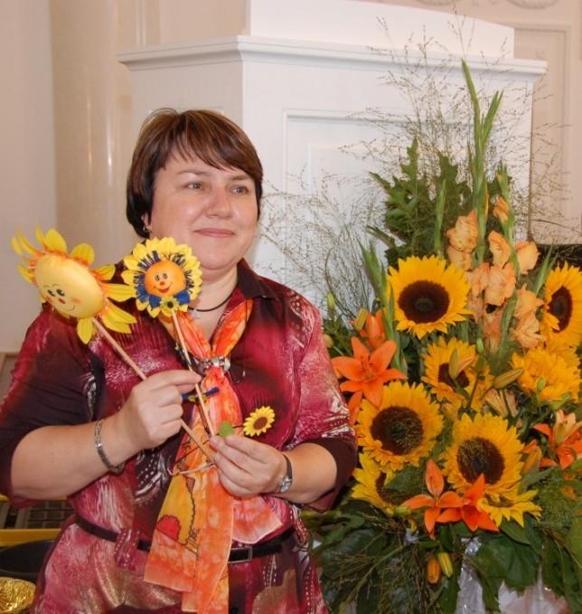 "Dr. Jarmila Brnická, Vorsitzende des ""Fördervereins für Schulpartnerschaften Stuttgart-Brünn"" in Brünn"