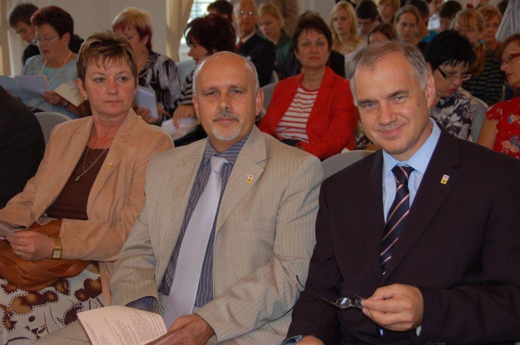 r. Mojmír Jeřábek, Direktor des Referates für Außenbeziehungen der Stadt Brünn zusammen mit Dr. Daniel Rychnovský, dem 1. Büúrgermeister der Stadt Brünn